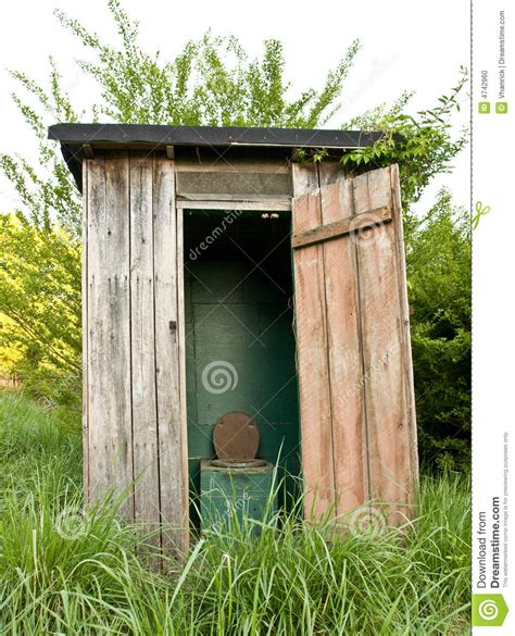 outhouse plans ideas photo gallery 1000 images about outhouse ideas on toilets
