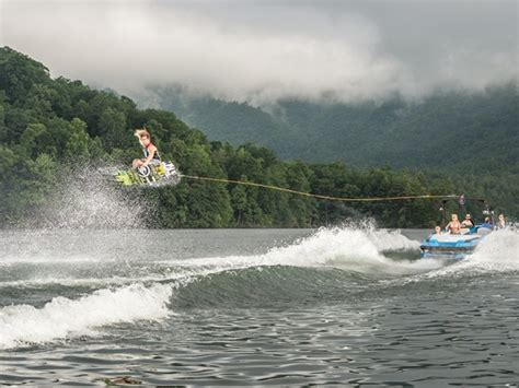 Wakeboard Boat Rentals Kentucky by Axis Boats 2015 Axis Wakeboard Boat A20