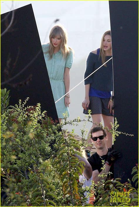 Taylor Swift: Rooftop Photoshoot Fun!   Photo 546055 ...