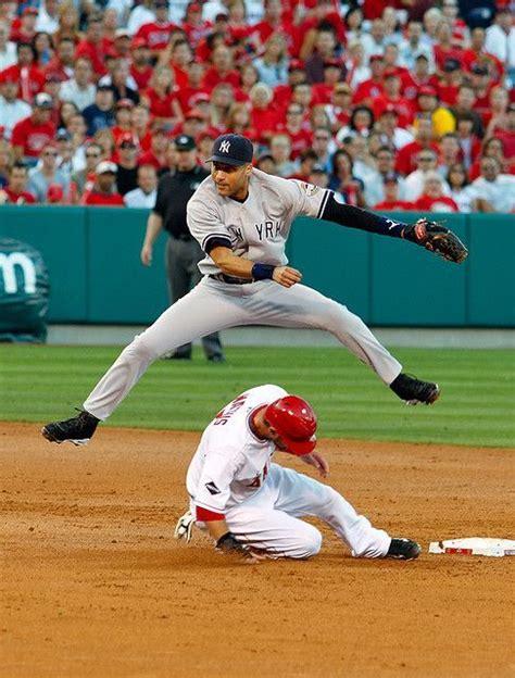 Derek Jeter | Derek jeter yankees, Derek jeter, Play baseball