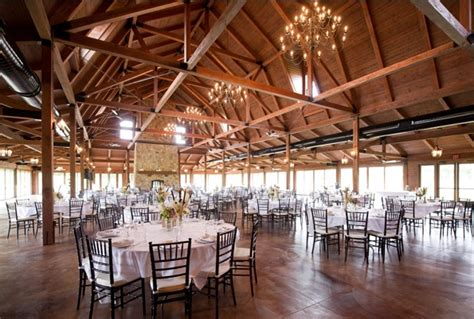 Barn Wedding Illinois by Rustic Wedding Venue The Pavilion At Orchard Ridge Farms