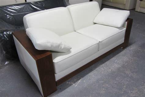 housse de canapé avec accoudoir en bois housse de canape avec accoudoir en bois nouveaux modèles