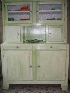 repeindre des 駘駑ents de cuisine repeindre un meuble de cuisine peindre rénover et relooker meuble de cuisine bois