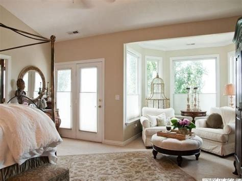 Sitting Area In Master Bedroom  Bedroom At Real Estate