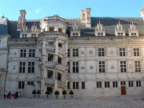 fonds d 233 cran et cr 233 ations num 233 riques chateaux de la loire chateau de blois escalier
