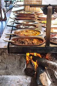 Sideboard Für Aussenbereich : itacar a place you may not want to leave viand tables grillen ofen ve pizzaofen ~ Frokenaadalensverden.com Haus und Dekorationen