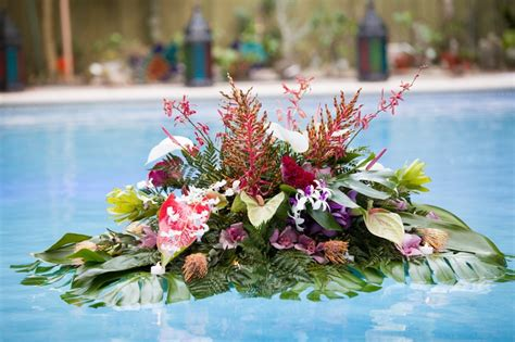 floating flower arrangement 33 best images about floating flowers in pools on pinterest san diego florists and epcot