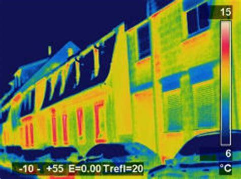 Energetische Sanierung Schwachstellen Mit Der Waermebildkamera Erkennen by Thermografie Mithilfe W 228 Rmebildern W 228 Rme Lecks Am