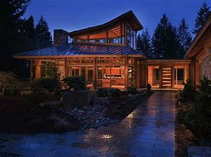 Luxury Wooden House Among The Trees Of Rural Seattle
