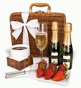 Flûtes à Champagne Originales : champagne y fondue para dos regalos originales regalos ~ Teatrodelosmanantiales.com Idées de Décoration