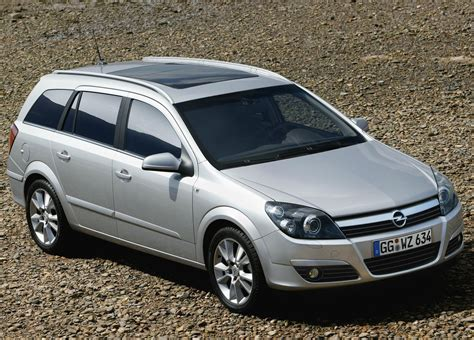 Opel Wagon by 2004 Opel Astra Station Wagon Hd Pictures Carsinvasion