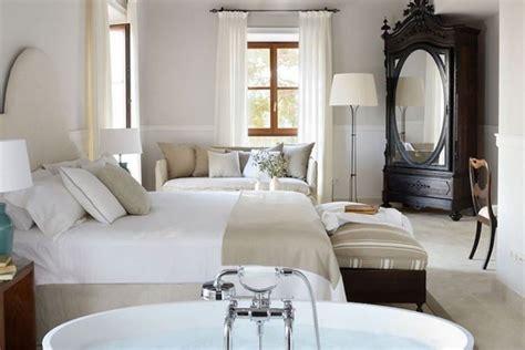principe de la chambre une salle de bain ouverte sur la chambre pour ou contre