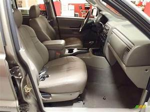 2004 Jeep Grand Cherokee Laredo Interior Photo  38344029