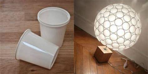 fabriquer une lampe originale avec des gobelets