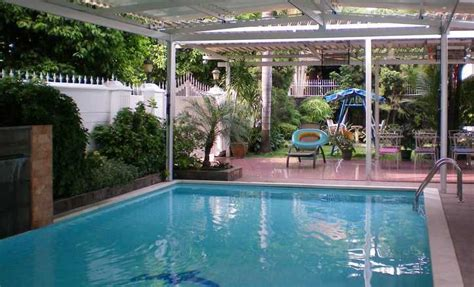 model kolam renang rumah minimalis