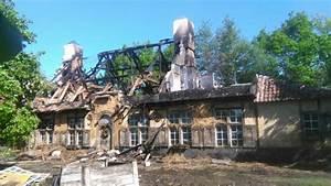 Brand Vernielt Rieten Dak Van Hoeve In Heist