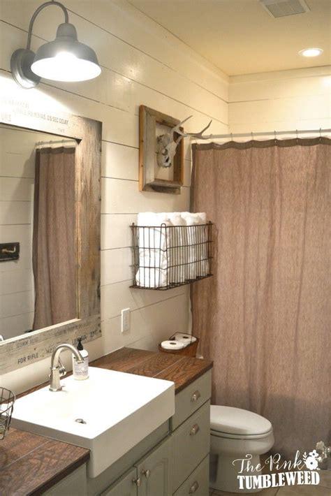 Half Bathroom Makeovers by Best 25 Rustic Bathroom Makeover Ideas On