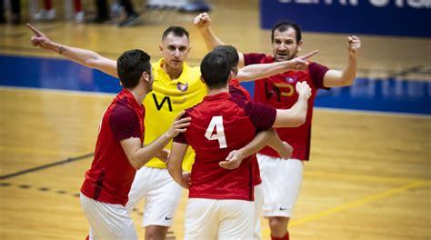 Latvijas Futbola federācija nolēmusi pārtraukt telpu ...
