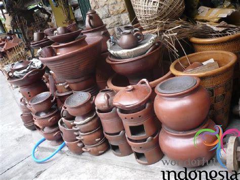 yogyakarta tourism photo gallery kasongan pottery