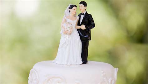 yo  zealander marries teen sweetheart   years