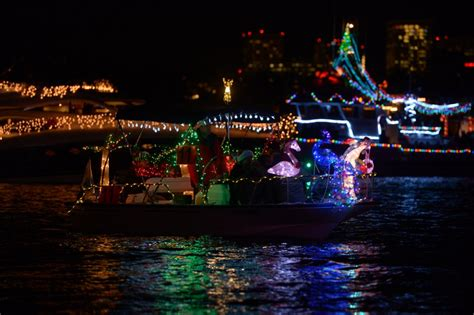 Where To Park For Newport Beach Boat Parade 2016 newport beach christmas boat parade oc mom blog