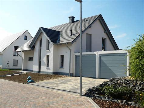 Einfamilienhaus Mit Doppelgarage Bauen Emphitcom