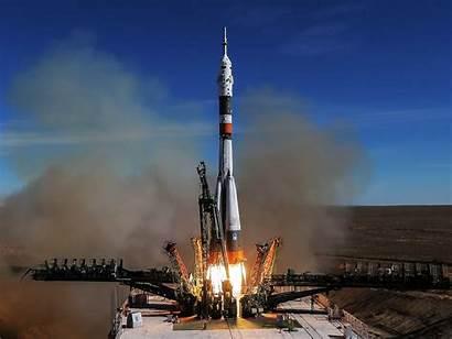 Soyuz Space Spacecraft Rocket Launch Station Robot