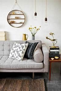 mettez un coussin original pour rafraichir l39interieur With tapis de souris personnalisé avec bout de canapé moderne