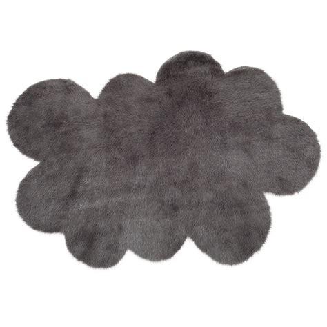 tapis nuage gris anthracite pilepoil pour chambre enfant