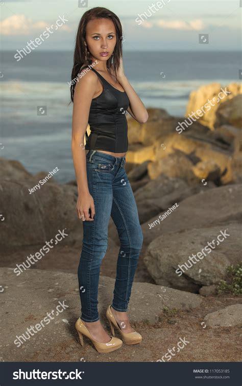 Teen With Tight Top Xxx Photo