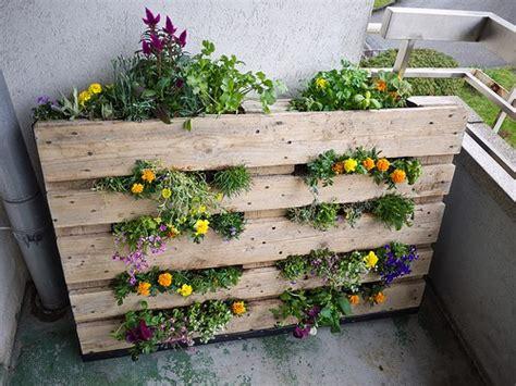 Ideas Using Pallets by 10 Diy Garden Ideas For Using An Pallet Gardening