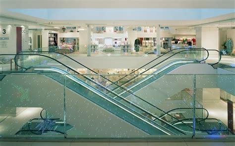 galeries lafayette maison les escalators desservent les 233 tages des galeries