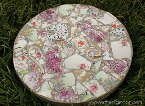 beautiful diy stepping stone ideas  decorate