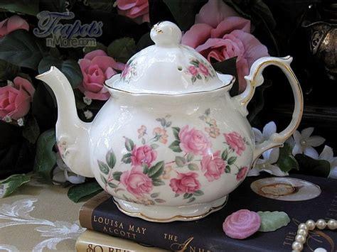 1940 Bone China Teapot, 4 Cup