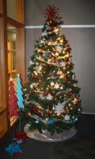 fmh to raffle patriotic tree to benefit the new kitchen dining room project