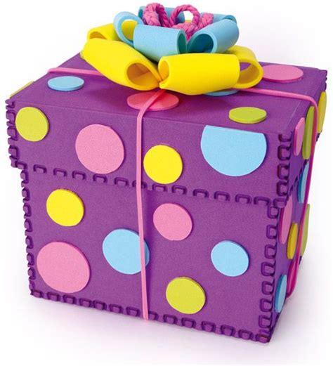 caja para regalo hecha totalmente de fomi caja fomi moldes cajas de regalo caja de goma
