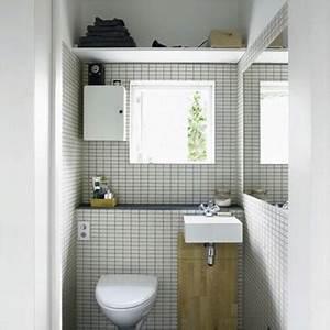 deco toilette idee et tendance pour des wc zen ou pop With carrelage adhesif salle de bain avec mini torche led