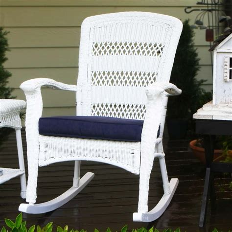 the benefit using resin patio furniture for your lovely
