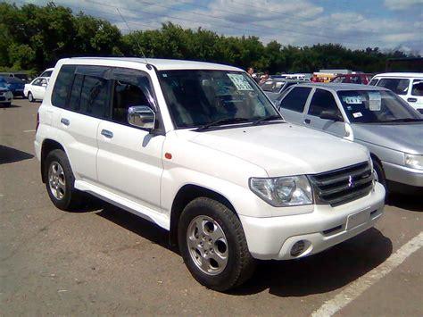 mitsubishi pajero io 2001 mitsubishi pajero io photos 2 0 gasoline automatic