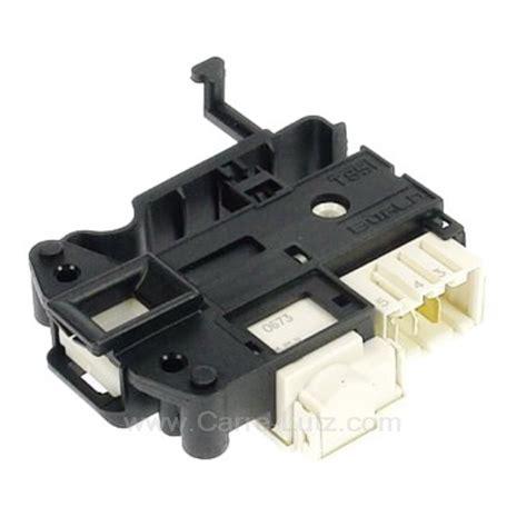 indesit pieces detachees lave linge verrou de porte de lave linge ariston indesit hotpoint c00254755 pi 232 ces d 233 tach 233 es