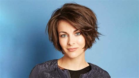 20 Best Inverted Bob Haircuts For Women