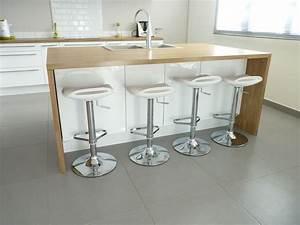 10 idees de cuisines aux meubles laques blancs et bois for Idee deco cuisine avec cuisine blanc laqué et bois