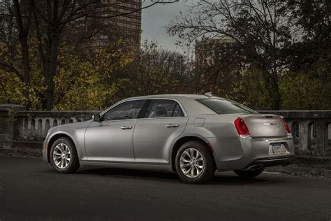 Marchionne Chrysler by Marchionne Hints At Front Wheel Drive Chrysler 300