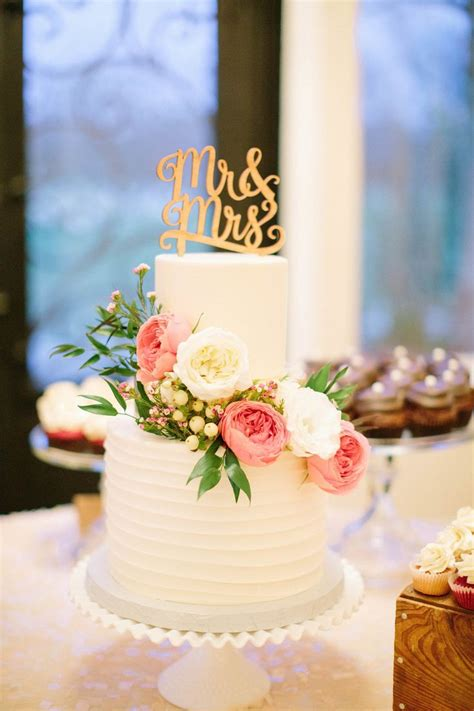 The 25 Best Two Tier Cake Ideas On Pinterest Two Tier