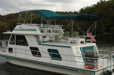 Boat Storage Near Percy Priest Lake by 1995 Gibson Cabin Yacht Boats Yachts For Sale