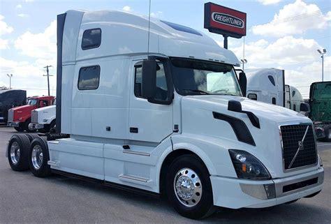 volvo vnlt sleeper semi truck  sale