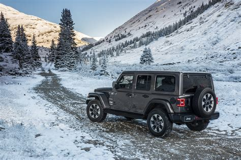 jeep wrangler unlimited sahara rear  quarters