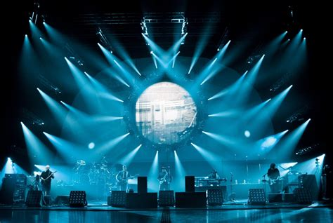 love  lighting   pink floyd concert