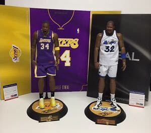 shaquille oneal signed enterbay  basketball figurine