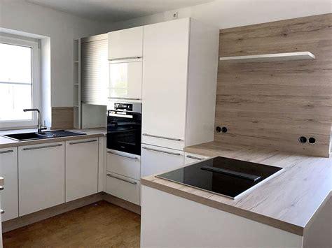 Schöne Küchen Bilder by Sch 246 Ne K 252 Che Mit Lackierten Fronten Und Absetzungen In